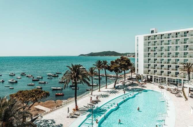 The Ibiza Twiins Playa d'en Bossa